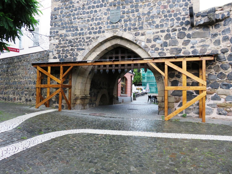 Rheinsteig Stage 4 - City Gate of Linz at the Rhine