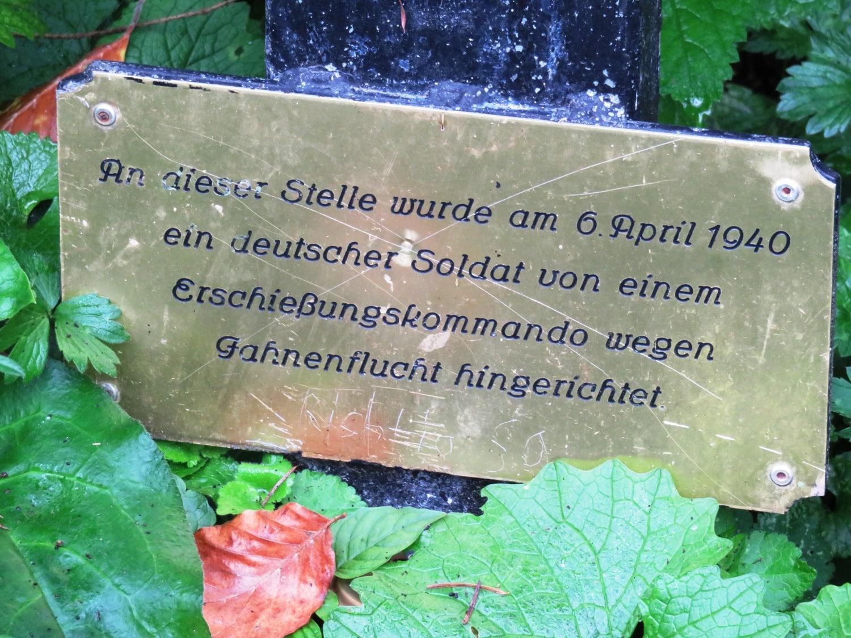 Rheinsteig Stage 7 - Memory of a shot soldier